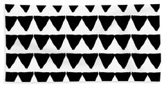Black And White Triangles- Art By Linda Woods Bath Towel