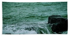 Black Rocks Seascape Bath Towel