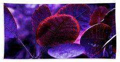 Bleeding Violet Smoke Bush Leaves - Pantone Violet Ec Bath Towel