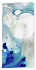 Bath Towel featuring the painting Blue And White Art - A Short Wave - Sharon Cummings by Sharon Cummings
