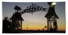 Hand Towel featuring the photograph Boardwalk Arch At Dawn by Robert Banach