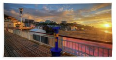 Bath Towel featuring the photograph Bournemouth Pier Sunrise by Yhun Suarez