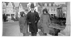 Brazilian Advisor Manuel Coelho Rodrigues With His Children In Washington Bath Towel