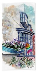 Broadies By The Sea In Staithes Hand Towel
