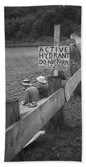 Hand Towel featuring the photograph Brookfield, Vt - Floating Bridge 4 Bw by Frank Romeo