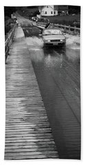 Hand Towel featuring the photograph Brookfield, Vt - Floating Bridge Bw by Frank Romeo