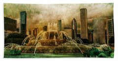 Hand Towel featuring the photograph Buckingham Fountain by Joel Witmeyer
