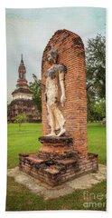Bath Towel featuring the photograph Buddha Statue Sukhothai by Adrian Evans