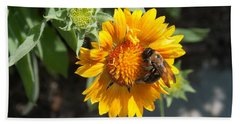 Bumble Bee Collecting Pollen On Sunflower Bath Towel