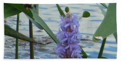 Bumblebee Pickerelweed Moth Bath Towel