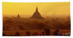Hand Towel featuring the photograph Burma_d2227 by Craig Lovell