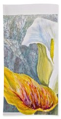 Hand Towel featuring the painting Calla Lily by Carolyn Rosenberger