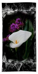 Hand Towel featuring the photograph Calla Lily Splash by Al Bourassa