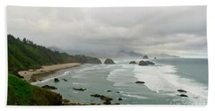 Hand Towel featuring the photograph Cannon Coast by Suzette Kallen