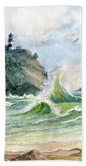 Bath Towel featuring the painting Cape Disappointment Lighthouse by Marilyn Smith