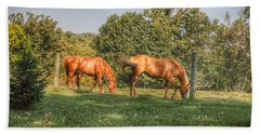 1006 - Caramel Horses I Bath Towel