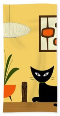 Cat On Tabletop With Mini Mod Pods 3 Bath Towel
