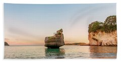 Cathedral Cove, New Zealand Bath Towel