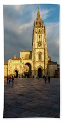 Cathedral Of Oviedo Bath Towel
