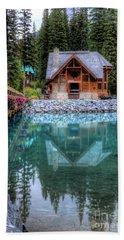 Charming Lodge Emerald Lake Yoho National Park British Columbia Canada Bath Towel