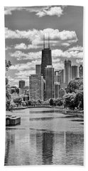 Chicago Lincoln Park Lagoon Black And White Bath Towel