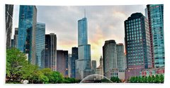 Chicago River View At Sunset Bath Towel