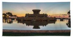 Chicago's Buckingham Fountain At Dawn  Bath Towel