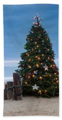 Christmas At The Beach Bath Towel by Ralph Vazquez