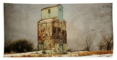 Hand Towel featuring the photograph Clare Elevator by Julie Hamilton
