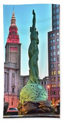 Bath Towel featuring the photograph Cleveland Statue Sunset by Frozen in Time Fine Art Photography