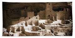 Hand Towel featuring the photograph Cliff Palace Mesa Verde by Kurt Van Wagner