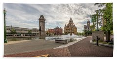 Hand Towel featuring the photograph Clinton Square by Everet Regal