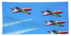 Close-up Of Canadian Snowbirds Over Horseshoe Falls Hand Towel