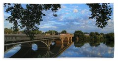 Hand Towel featuring the photograph Cloud Reflections On The Yakima River by Lynn Hopwood