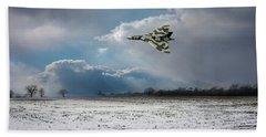 Bath Towel featuring the photograph Cold War Warrior by Gary Eason