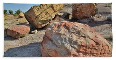 Colorful Boulders In The Bentonite Site On Little Park Road Bath Towel