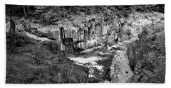 Bath Towel featuring the photograph Coos Canyon 1553 by Guy Whiteley