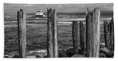 Coquille Lighthouse Bath Towel
