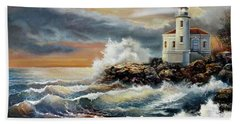 Coquille River Lighthouse At Hightide Bath Towel