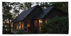 Hand Towel featuring the photograph Cosy Cabin In The Woods by Gary Eason