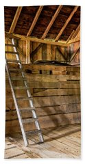 Hand Towel featuring the photograph Cow Barn Ladder by Tom Singleton