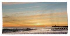 Crashing Waves At Aberdeen Beach Bath Towel