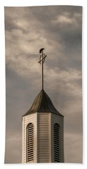 Bath Towel featuring the photograph Crow On Steeple by Richard Rizzo