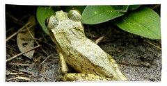 Bath Towel featuring the photograph Cuban Tree Frog 002  by Chris Mercer