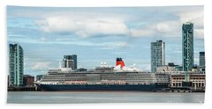 Cunard's Queen Elizabeth At Liverpool Hand Towel