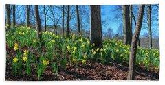 Daffodils On Hillside Bath Towel