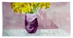 Hand Towel featuring the painting Daffs by Jamie Frier