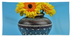 Daisies Displayed In Navajo Native American Vase Hand Towel