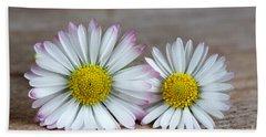 Daisy Flowers Bath Towel