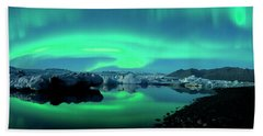 Hand Towel featuring the photograph Dancing Auroras Jokulsarlon Iceland by Brad Scott